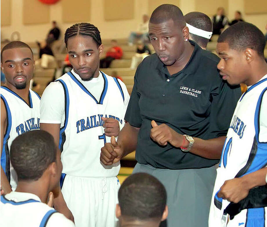 Then-LCCC Deon Thomas talks strategies with his Trailblazers at the 2010 NJCAA Division II Men's National Basketball Tournament in Danville. LCCC went on to finish fourth. Photo: Paige Allen, LCCC File Photo | For The Telegraph