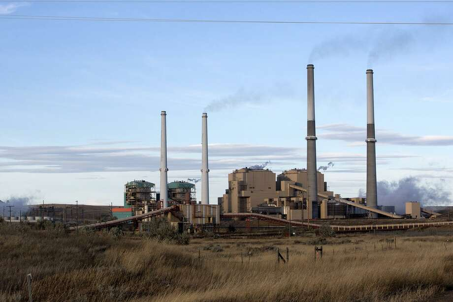 A coal-burning power plant in Colstrip, Mont., Oct. 15. The Trump administration announced plans designed to make it easier for coal-fired power plants to release mercury and other pollutants linked to developmental disorders and respiratory illnesses into the atmosphere. This is just one regulation the administration has sought to undo. Photo: JANIE OSBORNE /NYT / NYTNS