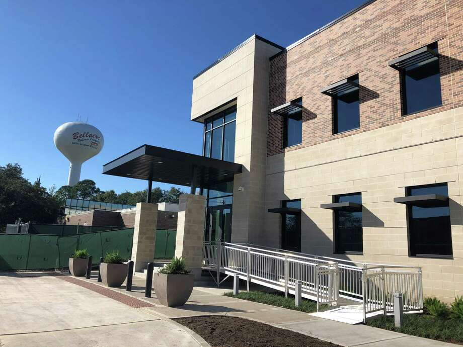 At its meeting at city hall on Monday, March 4, the Bellaire city council takes a look at the city's January budget, reappoints three court officials and approves an amendment addressing school zones. Photo: Tracy Maness