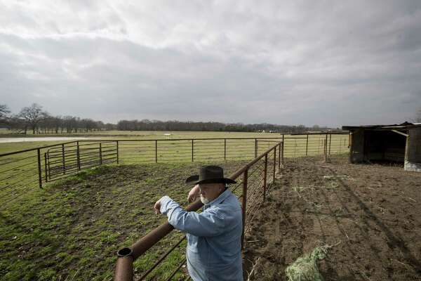 Solar farm divides a ranching community - HoustonChronicle com