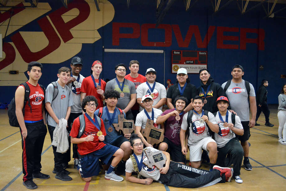 The Plainview Bulldogs powerlifting team took first place to win the regional championship on Saturday in Plainview. The team will also have seven athletes advancing to the state meet on March 23 in Abilene. Photo: Alexis Cubit/Plainview Herald