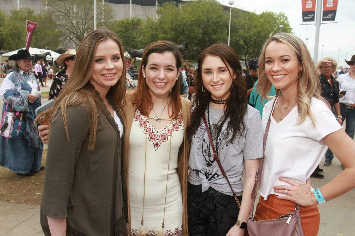 Fans attending the Kane Brown concert.