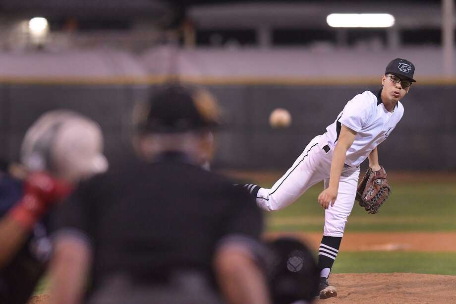 Devin Benavides and United South fell to Sharyland 8-5 in the Edinburg tournament title game Saturday. Photo: Cuate Santos /Laredo Morning Times File / Laredo Morning Times
