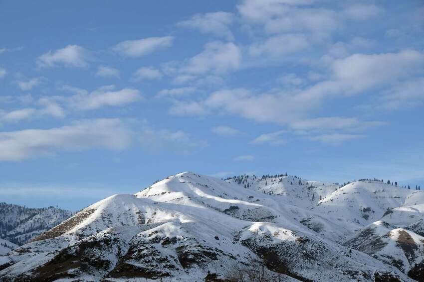 Snow covered mountains above the Methow Valley.
