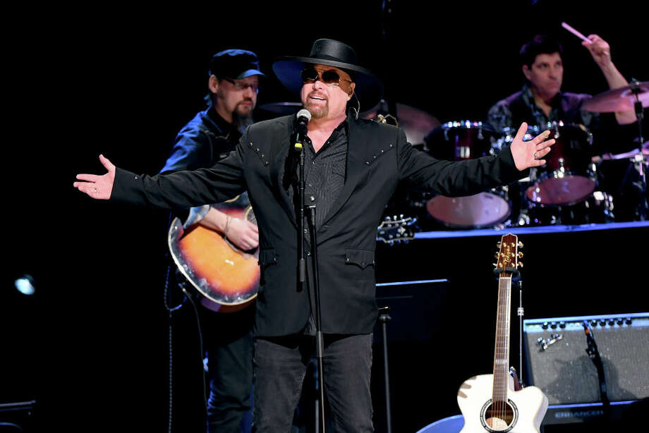 Montgomery Gentry will play Oyster Bake 2019. Photo: Jason Kempin/Getty Images / 2019 Getty Images