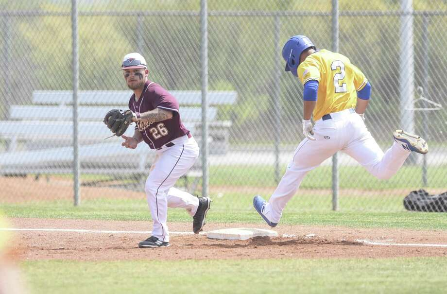 Andrew Holsey was 2-for-4 with a walk, a run and an RBI in Game 2 Saturday, but TAMIU fell 12-5 as St. Mary's completed a four-game sweep at Jorge Haynes Field. Photo: Danny Zaragoza /Laredo Morning Times