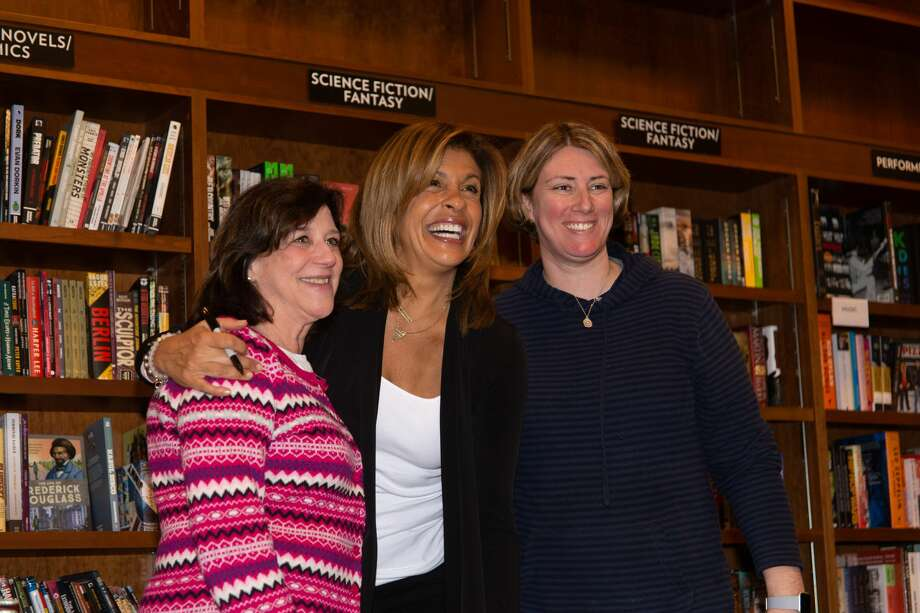Hoda Kotb book signing at Wesleyan RJ Julia