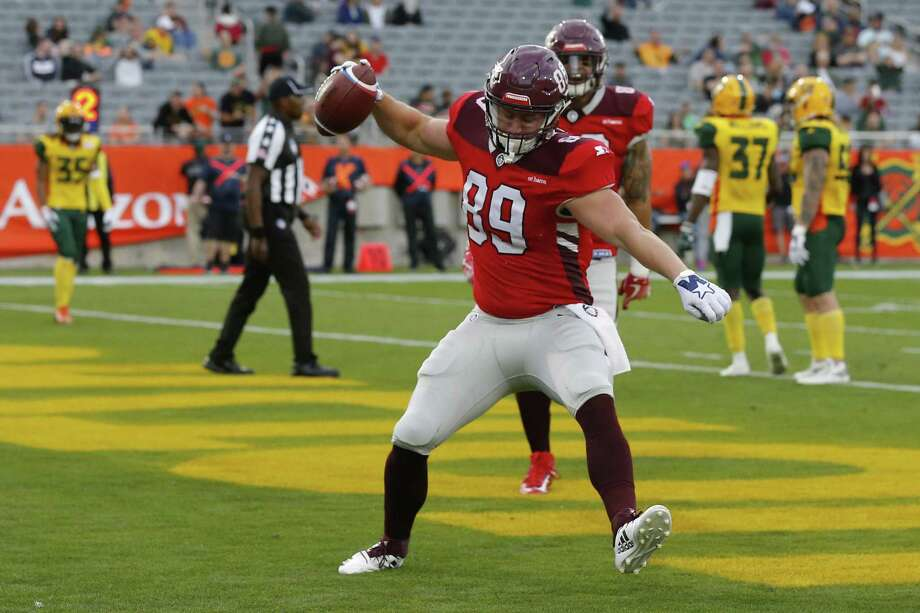San Antonio Commanders tight end Stehly Reden (89) celebrates after scoring a touchdown against the Arizona Hotshots in the first half during an AAF football game, Sunday, March 10, 2019, at Sun Devil Stadium in Phoenix. (AP Photo/Rick Scuteri) Photo: Rick Scuteri, FRE / Associated Press / Copyright 2019 The Associated Press. All rights reserved.