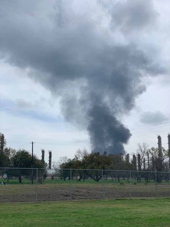 A large plume of smoke could be seen over Mid-County around 1 p.m. March 11, 2019, and a spokesperson for Huntsman said it was due to a partial shutdown, which impacted manufacturing units throughout the facility. Photo: Ryan Welch