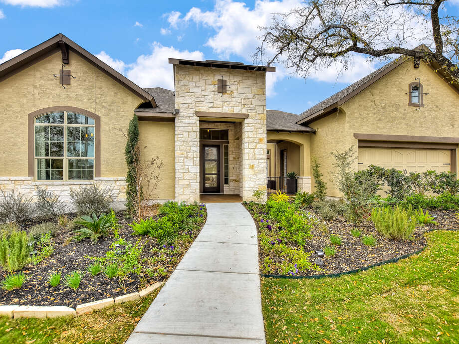 Builder: David Weekley homes Address: 17727 Horseman, San Antonio, TX 78257 Price: $720,000 Photo: Builder: David Weekley Homes   Address: 17727 Horseman, San Antonio, TX 78257   Price: $720,000