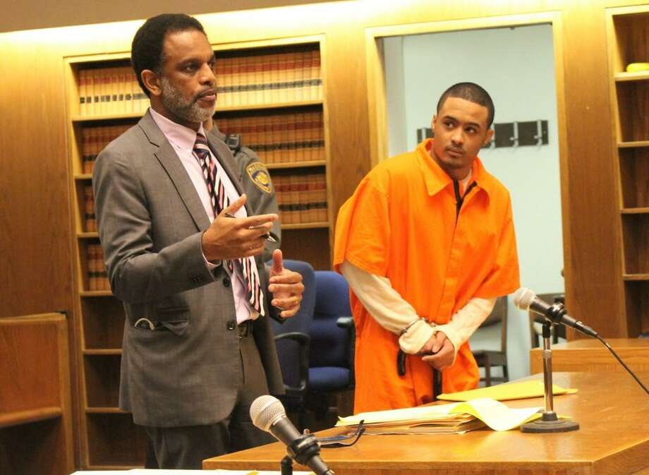 Senior Assistant Public Defender Scott M. Jones with defendant Marcus Rivera in court. Photo: Tom Breen / New Haven Independent Pool Photo