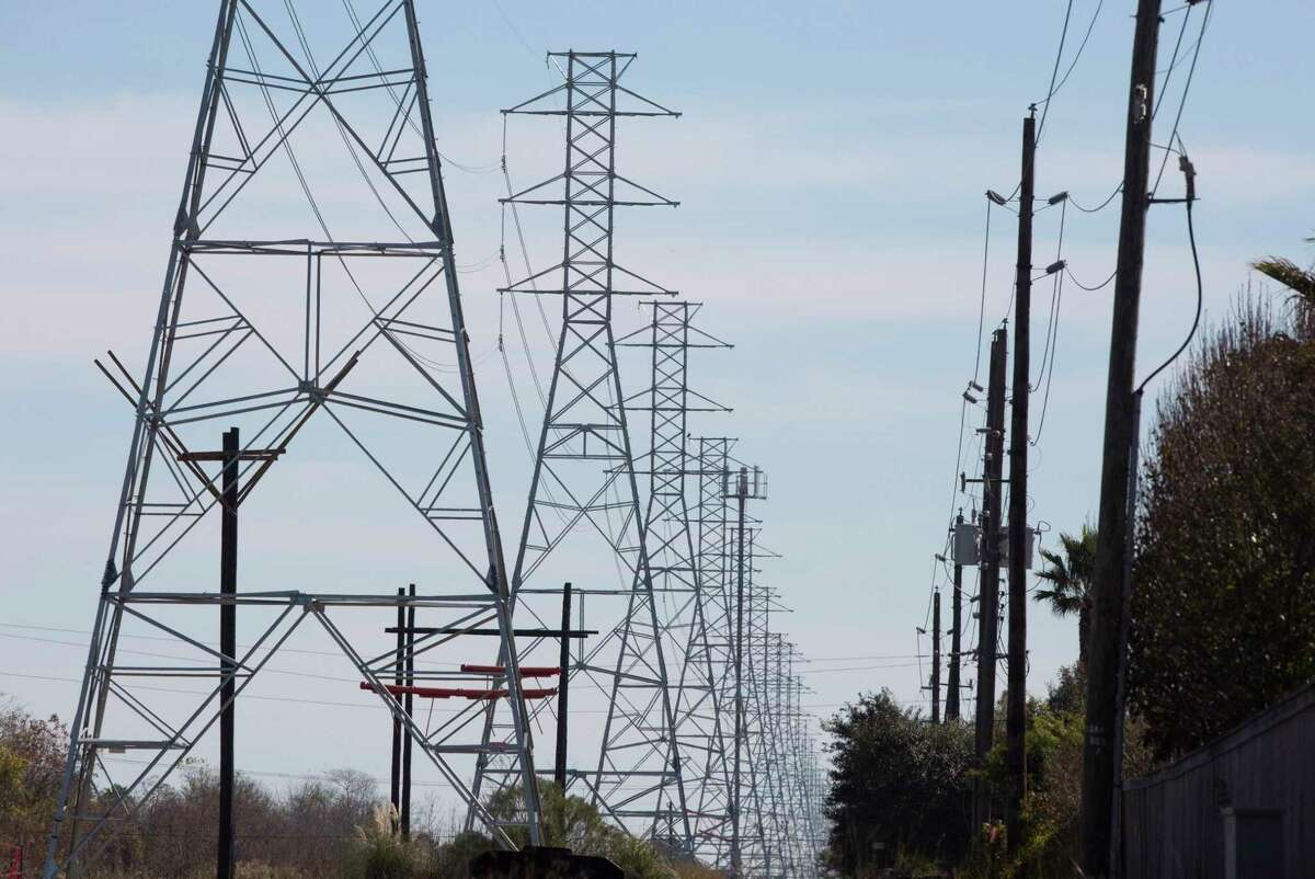 CenterPoint Energy, the regulated utility that delivers electricity to most of the Houston area, is cutting its stock dividend nearly in half, trimming operations and maintenance expenses and cutting capital spending to adjust to a drop in cash flow.