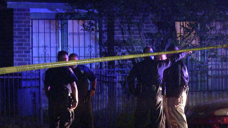 The victim's girlfriend arrived to the home in the 6800 block of Stockport at about 11:10 p.m. and found the victim, a man in his late 20s or early 30s, suffering from a gunshot wound to his chest. Photo: Ken Branca