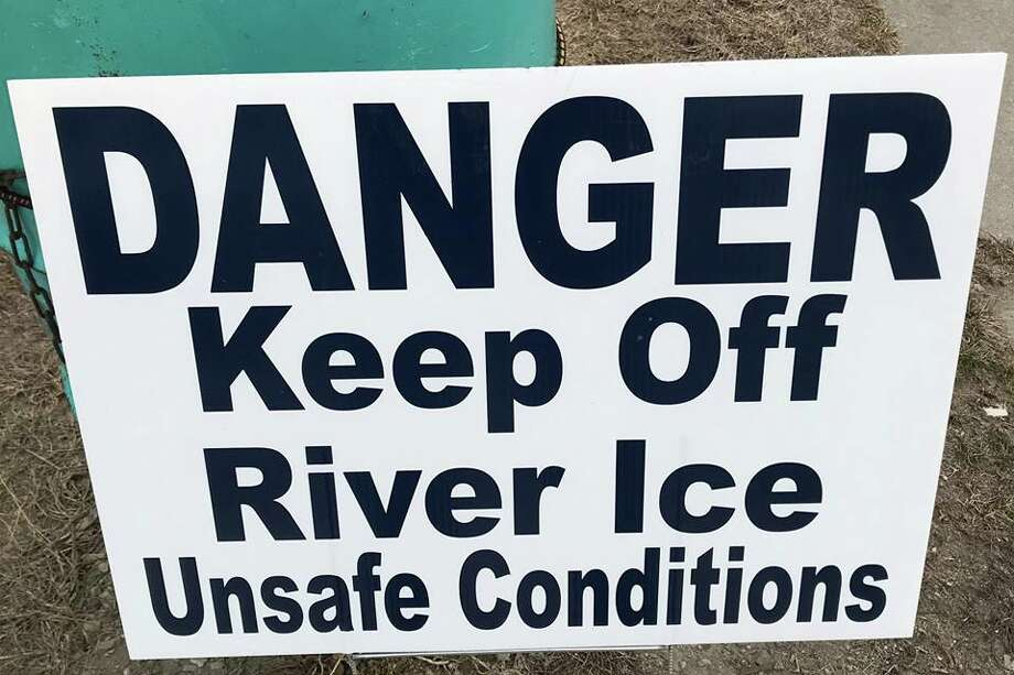The Village of Sebewaing recently posted this sign warning foiks to stay off the ice.