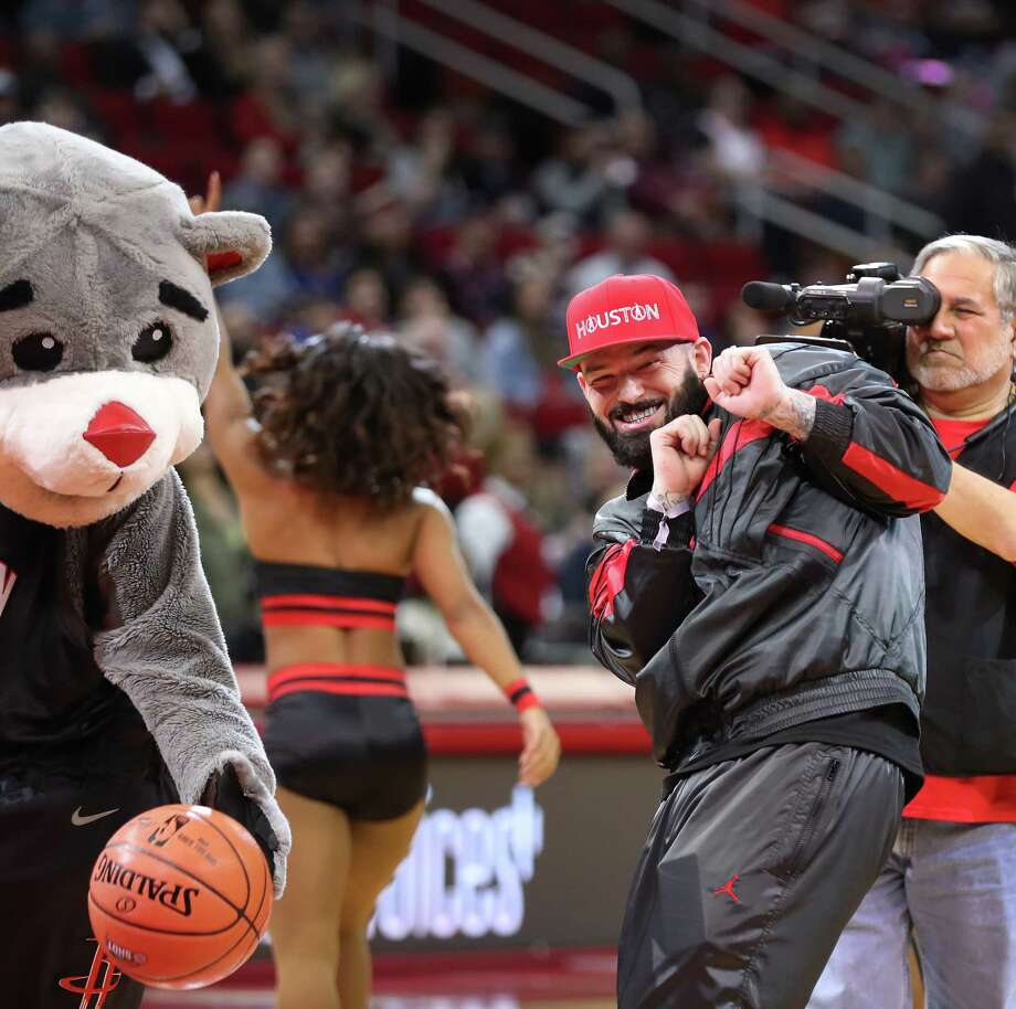 "PHOTOS: See how each celebrity has done on the ""First Shot"" before each Rockets home game this season Houston rapper Paul Wall reacts to his missed first shot for charity before the Houston Rockets-New Orleans Pelicans game at Toyota Center on Jan. 29. Browse through the photos to see which celebrities have made their ""First Shot"" before Rockets home games the past two seasons ... Photo: Steve Gonzales, Staff Photographer / © 2019 Houston Chronicle"