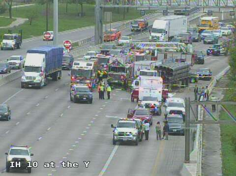 Interstate reopens after crash near downtown San Antonio - San
