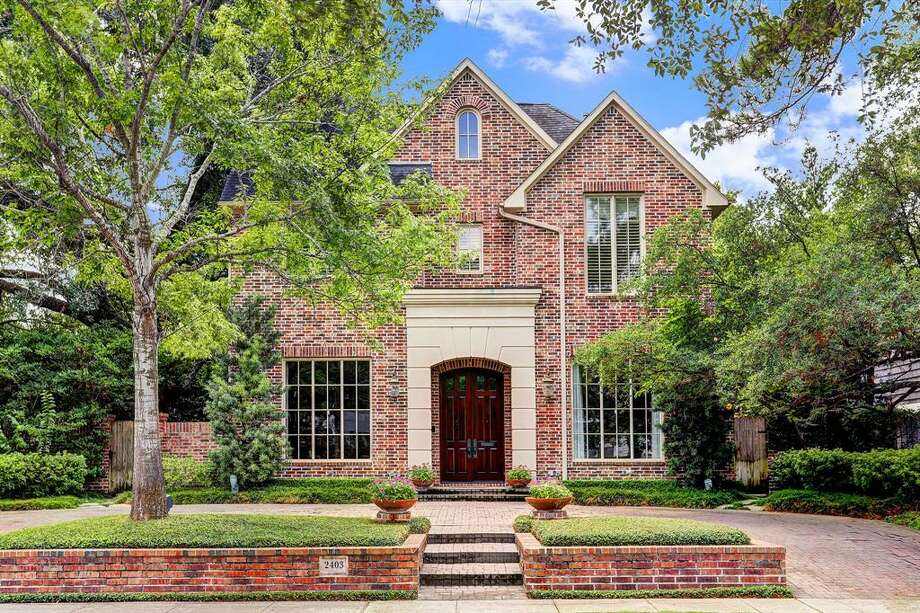 10. 2403 Pelham Drive, HoustonHouse Sold: $1.9 Million   $2.2 Million5,145