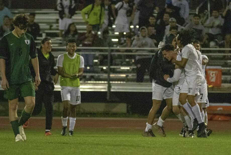 Conroe celebrates after winning a District 15-6A boys soccer match Tuesday, March 12, 2019 at Weldon Willig Field in The Woodlands. Photo: Cody Bahn, Houston Chronicle / Staff Photographer / © 2018 Houston Chronicle