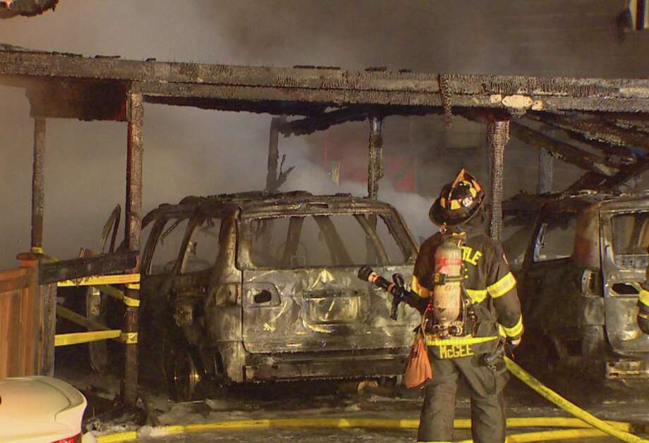 A garage fire spread to two homes in Seattle's Beacon Hill neighborhood early Wednesday morning. Photo: Komo News