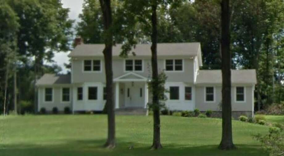 1267 Smith Ridge Road in New Canaan sold for $1,235,000. Photo: Google Street View