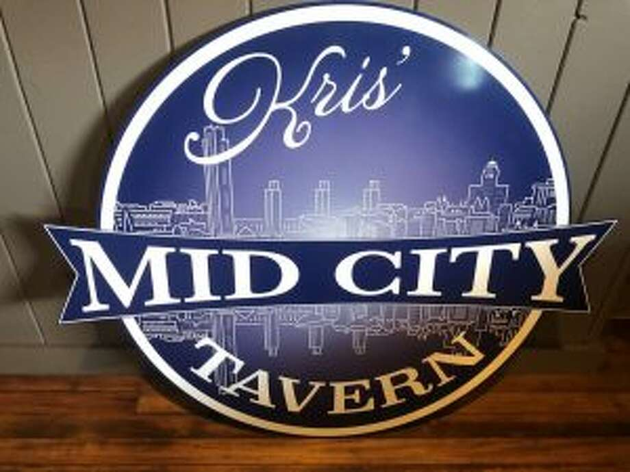 The new Kris' Mid City Tavern will open March 15, 2018, in Menands, N.Y. Photo: Photo Provided By Kris Noel