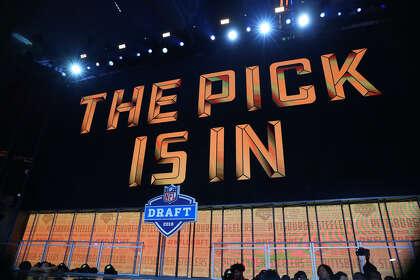 John McClain's and Aaron Wilson's 2019 NFL mock draft 6 0