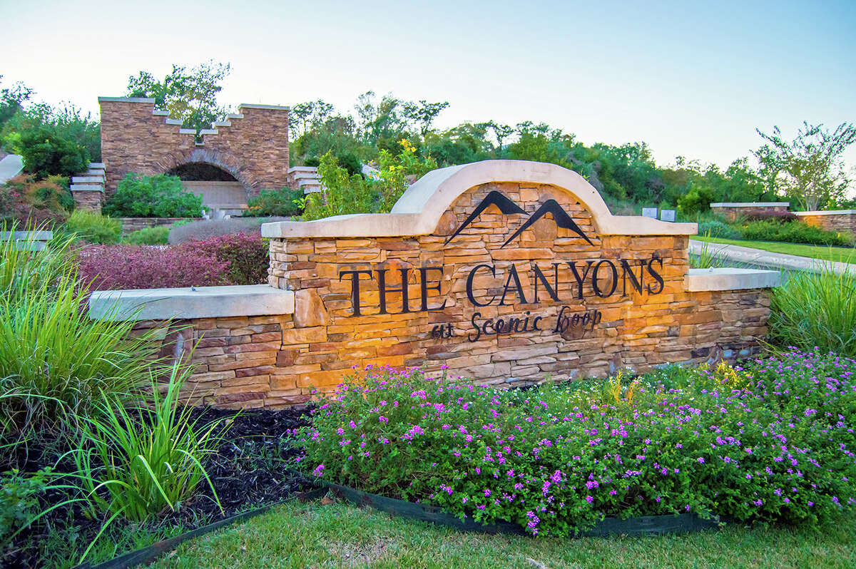 2020 Spring Tour of Homes Developer: Southerland Communities Community: The Canyons at the Scenic Loop Address: 29903 Carina Canyon, San Antonio, TX 78255