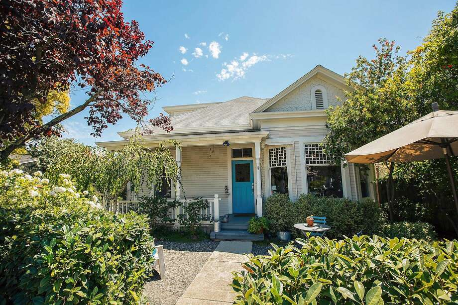 This seven-bedroom listing in Sonoma known as An Inn 2 Remember offers more than 3,000 square feet of living space and is available for $3.495 million. Photo: Tina Shone
