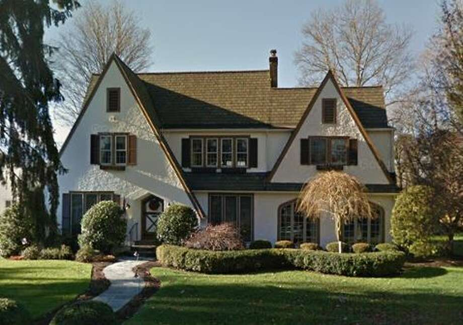 8 Abbey Road in Darien sold for $1,175,000. Photo: Google Street View