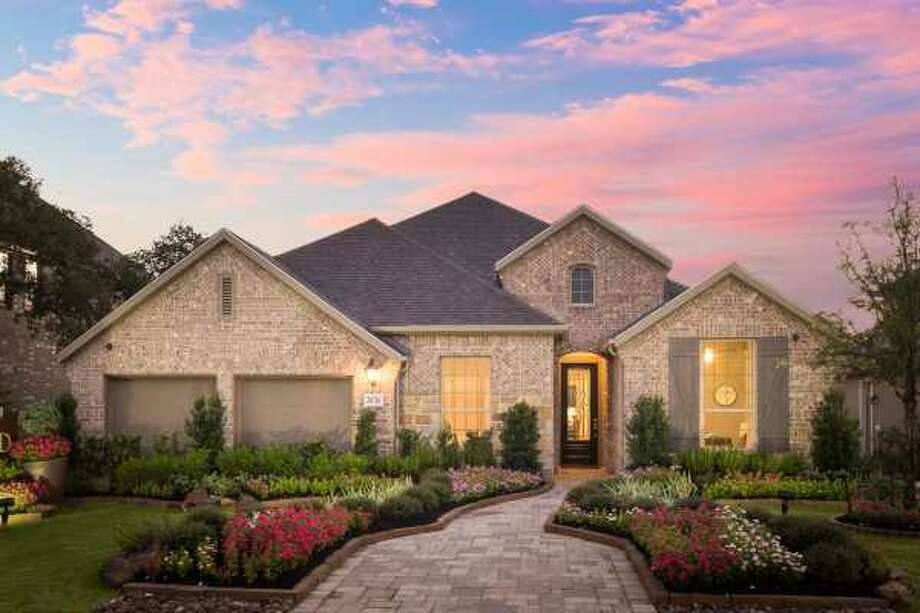 Builder: Highland Homes Community: The Front Gate in Fair Oaks Ranch  Address: 28726 Front Gate Fair Oaks Ranch, TX 78015 Photo: Highland Homes