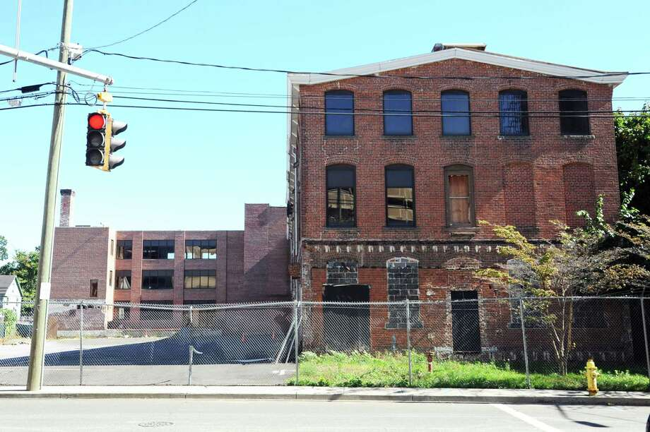 This property at 644 Atlantic St. was saved from 2016 demolition after preservationists requested a delay. Photo: Michael Cummo / Hearst Connecticut Media / Stamford Advocate