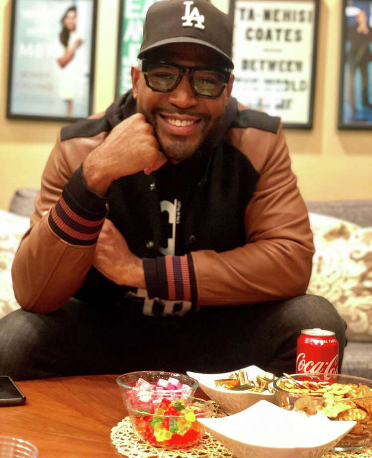 Karamo Brown and his snacks before his show at Sixth & I Synagogue in Washington, D.C., on March 6. Photo: Washington Post Photo By Sarah Polus / The Washington Post