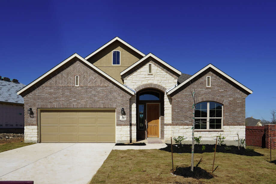 Builder: M/I Homes Subdivision: Regent Park  Address: 101 Haven Court, Boerne TX 78006  Price $389,990 Photo: M/I Homes / MNG Photography by Mike & Noemi