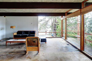 Asking well below the average per-square price for its Cedar Park neighborhood, this untouched mid-century is full of possibilities