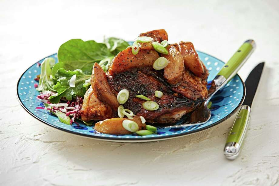 Miso-Ginger Roasted Chicken and Pears. Photo: Photo By Tom McCorkle For The Washington Post; Food Styling By Lisa Cherkasky For The Washington Post. / For The Washington Post
