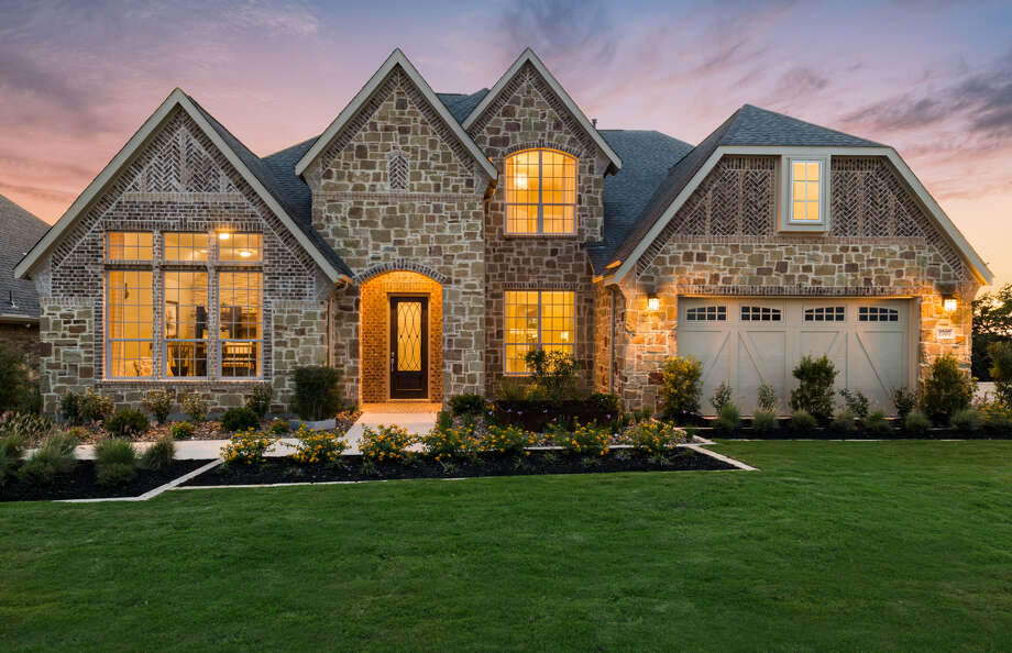 Builder: Pulte Homes Subdivision: The Heights at Indian Springs  Address:2707 Running Fawn, San Antonio, Texas 78261 Price: Model Home   Photo: Pulte Homes