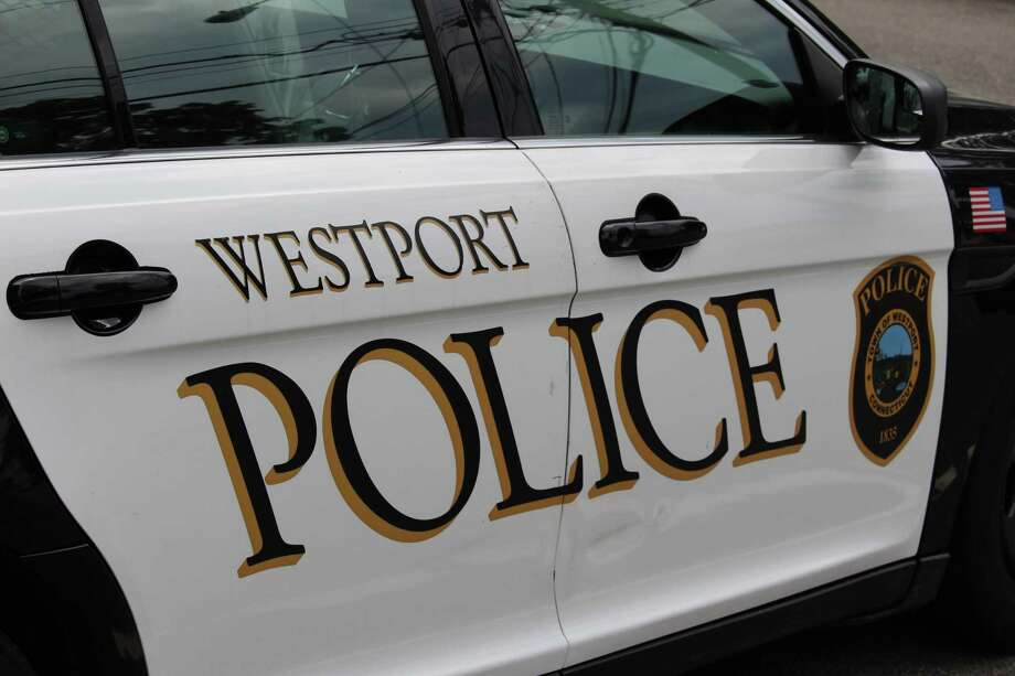 Westport police Photo: Chris Marquette / Hearst Connecticut Media / Westport News