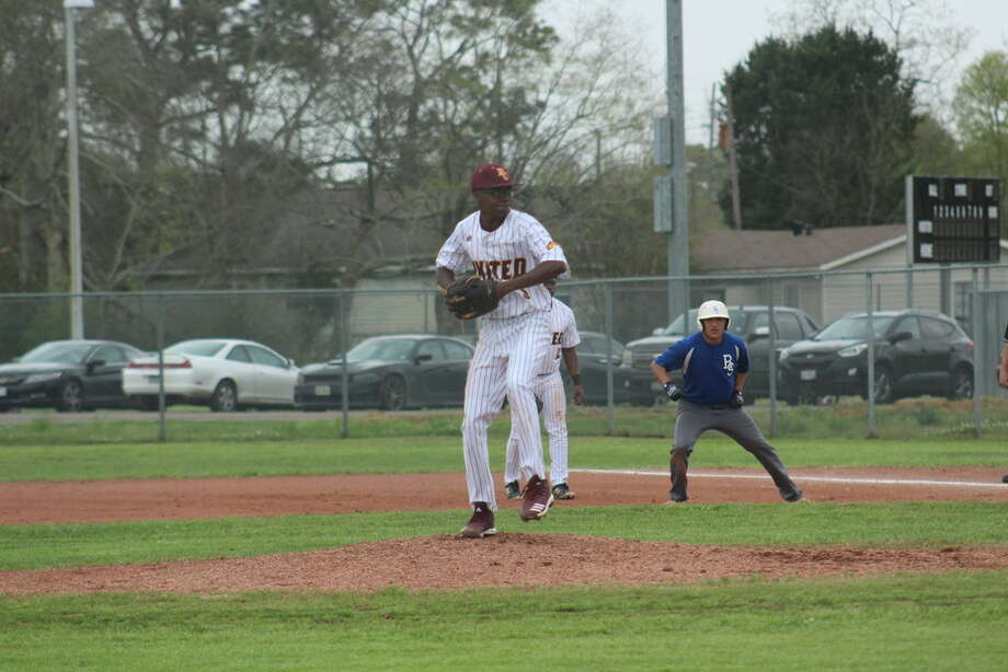 United's Kole Long steps into his pitch against Baytown Sterling. Photo: Meshach Sullivan  / The Enterprise