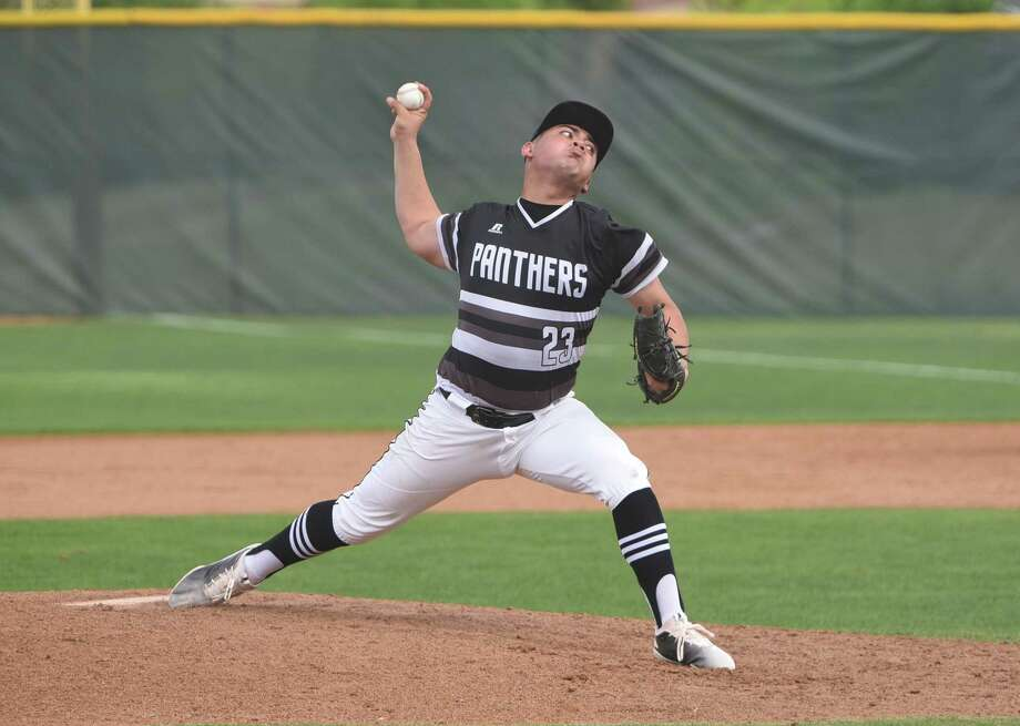 United South's Hector Alva held Alexander to two hits and two walks with five strikeouts in seven innings Thursday as the Panthers won 1-0 at the SAC. Photo: Danny Zaragoza /Laredo Morning Times