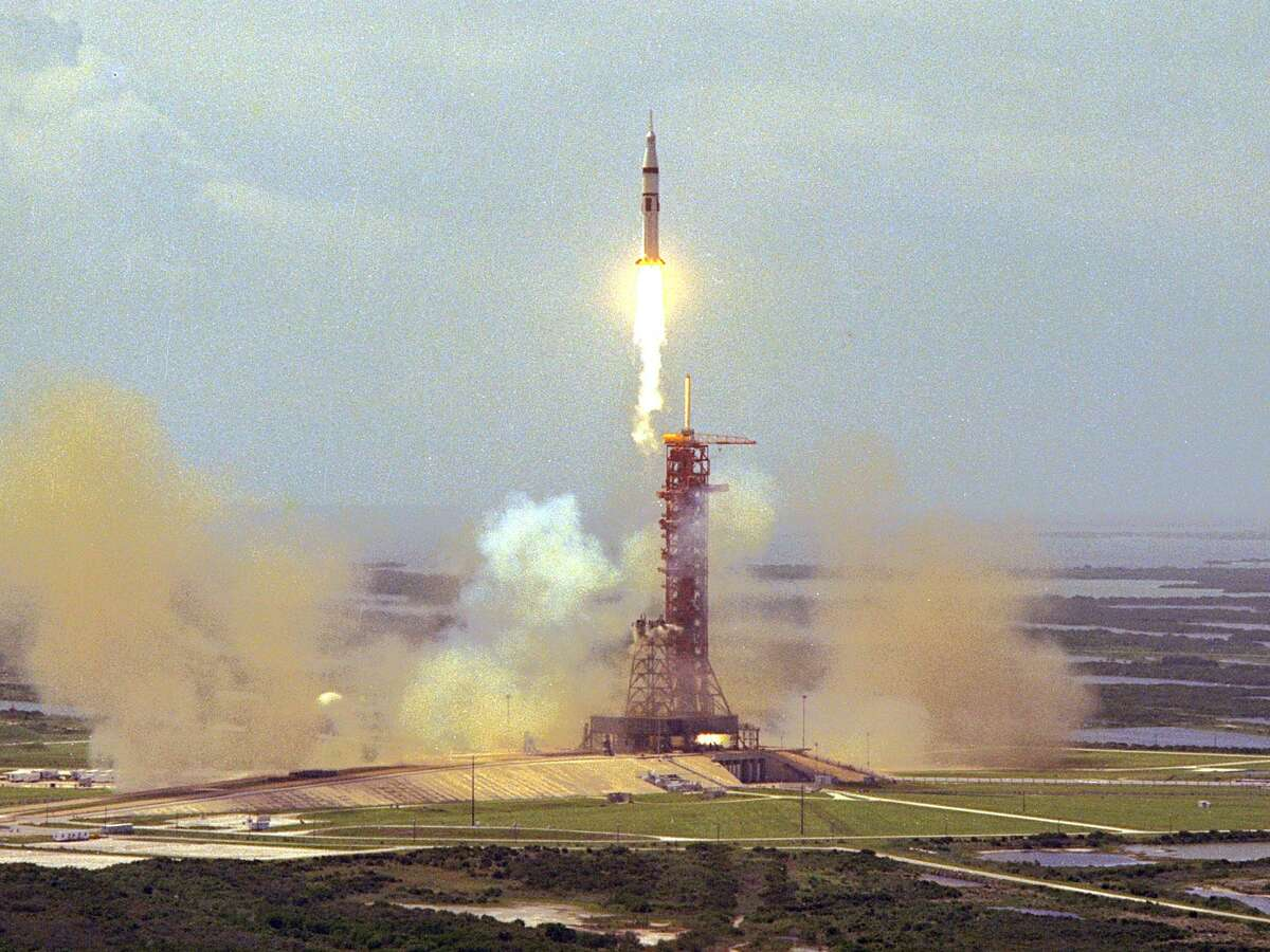 """Apollo-Soyuz Test Project launch - The Saturn IB rocket lifts off from NASA's Kennedy Space Center in Florida on July 15, 1975, carrying astronauts Thomas Stafford, Vance Brand and Donald """"Deke"""" Slayton in an Apollo capsule to rendezvous with the Soviet Soyuz spacecraft in Earth orbit."""