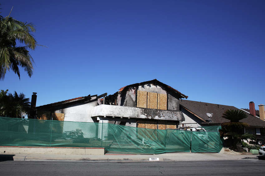 The scene at 19941 Crestknoll Drive where a Cessna airplane crashed into a home on February 6, 2019, in Yorba Linda, Calif. (Dania Maxwell/Los Angeles Times/TNS)