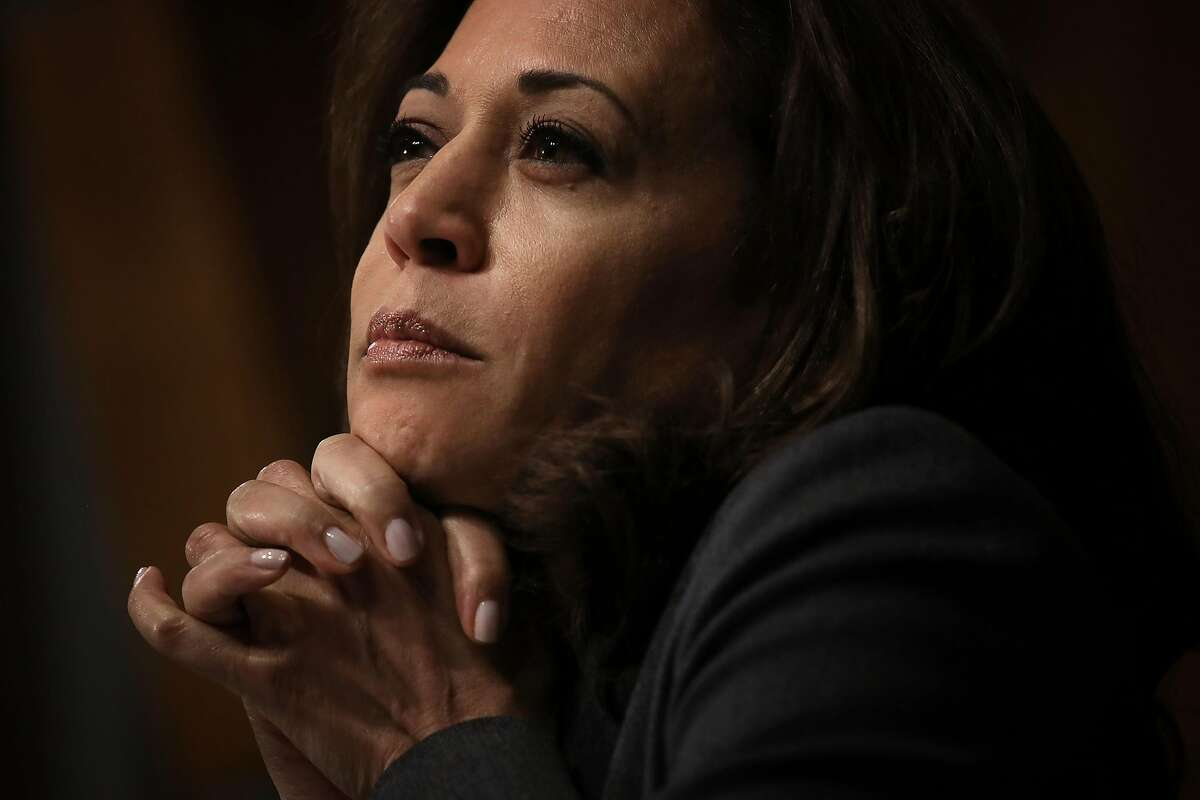 WASHINGTON, DC - MARCH 06: U.S. Sen. Kamala Harris (D-CA) listens to testimony from Kevin K. McAleenan, commissioner of U.S. Customs and Border Protection, during a Senate Judiciary Committee hearing March 6, 2019 in Washington, DC. McAleenan told reporters yesterday that the latest statistics show migrant crossings at the Mexican border are on pace to break record numbers set last year. (Photo by Win McNamee/Getty Images)