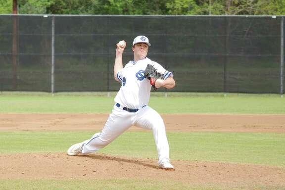 Clear Springs' Braden Clifton (19) picked up the victory on the mound Friday against Alvin.