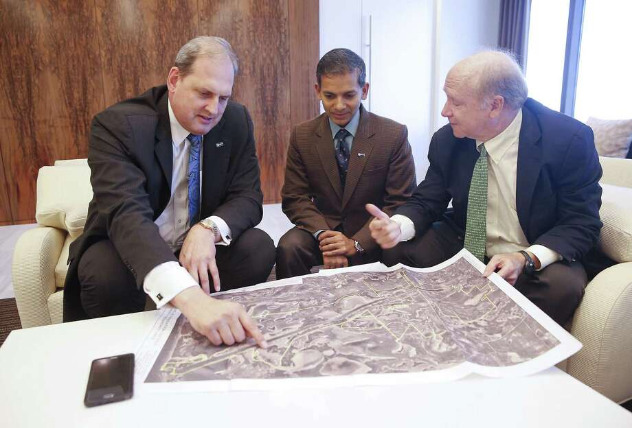 Langtry Meyer, Chief Operating Officer with Texas LNG Vivek Chandra , CEO of Texas LNG and William S. Garner, Jr. with Greenberg Traurig in Houston, TX on Friday, October 16, 2015. Photo: Thomas B. Shea / © 2015 Thomas B. Shea