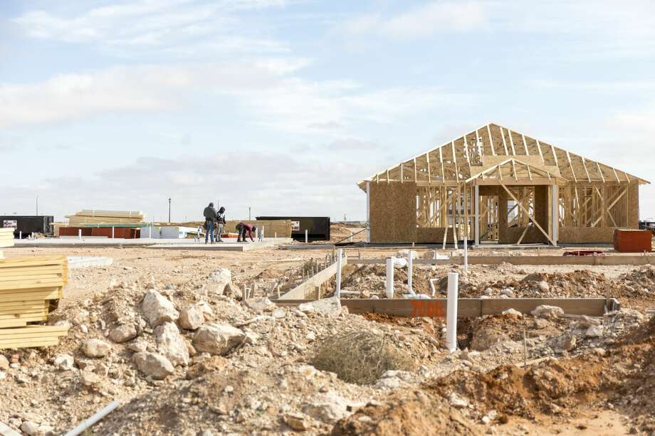 New houses go up around Parks Bell Ranch Thursday in Odessa. 11/08/2018  Jacy Lewis/191 News Photo: Jacy Lewis/191 News