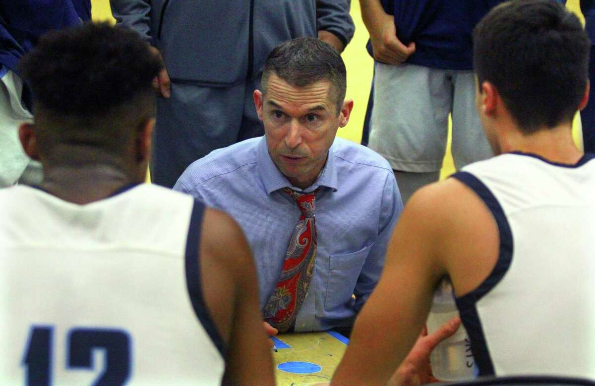 East Catholic will face Windsor in the Division I championship game on Saturday.