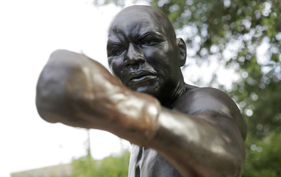 A reader points to the pardon of boxer Jack Johnson when President Donald Trump is accused of racism. This statue of Johnson is in his hometown of Galveson. Photo: Elizabeth Conley /Houston Chronicle / ©2018 Houston Chronicle