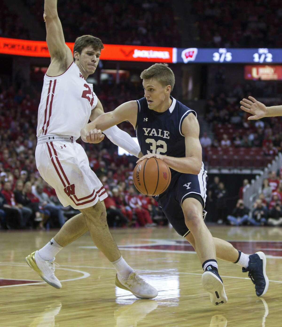 Versatile Blake Reynolds is looking to lead Yale men's basketball team to the Ivy League tournament title and return trip to NCAA tournament.