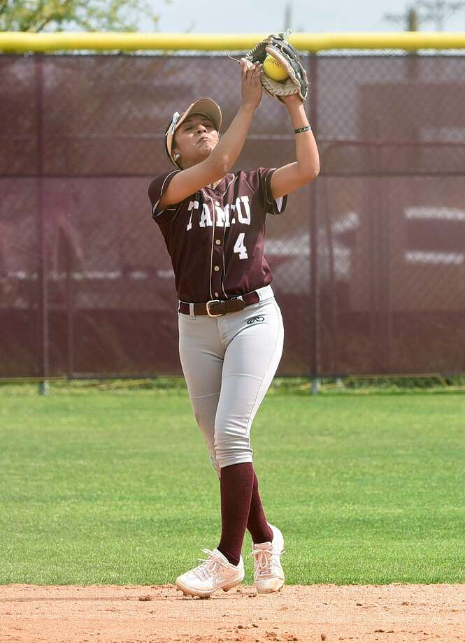 Gabrielle Mitchell scored the lone run in Game 1 Friday as TAMIU fell 3-1 to open its doubleheader at Oklahoma Christian. Photo: Danny Zaragoza /Laredo Morning Times File / Laredo Morning Times