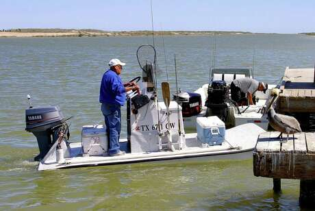 Engaging a boat's emergency engine cutoff device, which instantly kills the vessel's engine and stops its potentially deadly spinning propeller during most boat accidents, would become mandatory under terms of a bill moving through the 2019 Texas Legislature.